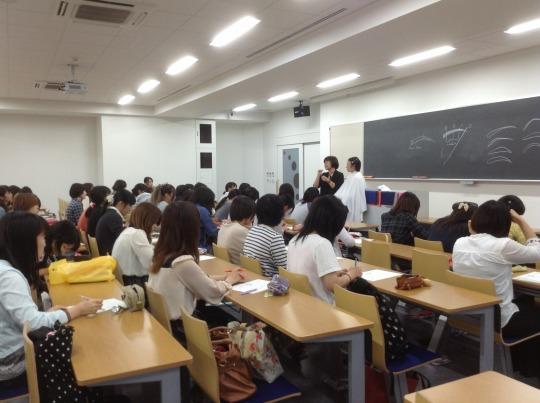 大学でのリクルートメイク講座